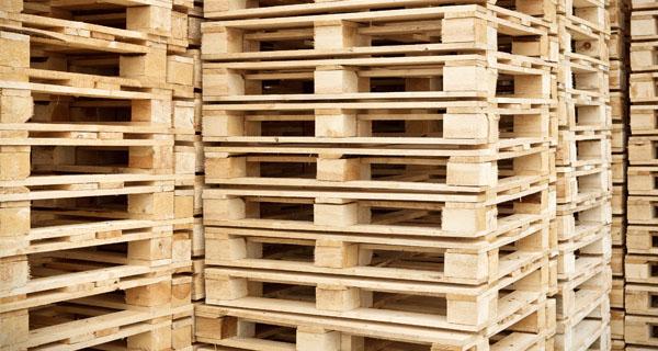 ¿Cómo puede ayudar una empresa de palets a agilizar y mejorar procesos de logística en el sector industrial?