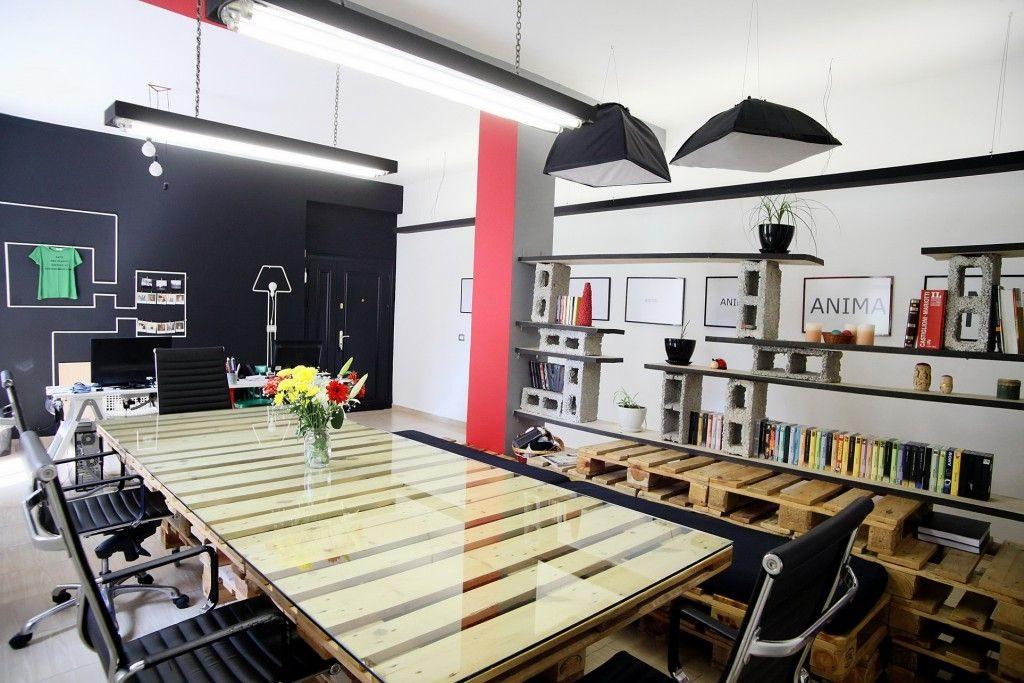 Palets como mobiliario de empresa