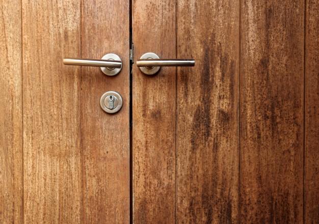 Venta de palets, una solución muy estilosa para vuestras puertas